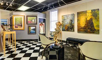 Mary Martin Gallery Of Fine Art At 103 Broad Street   Photo Taken By Holger  Obenaus